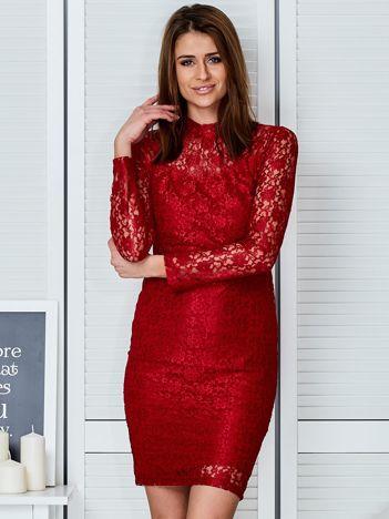 Czerwona elegancka koronkowa sukienka