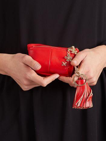 Czerwona portmonetka z chwostem