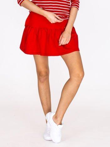 Czerwona spódnica z falbaną