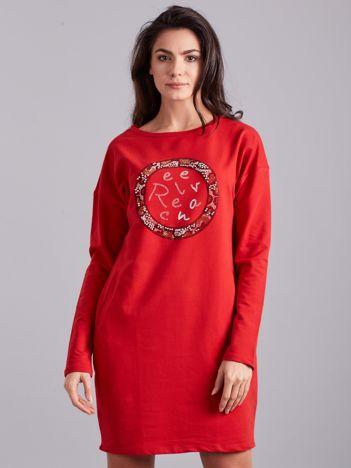 Czerwona sukienka damska z aplikacją