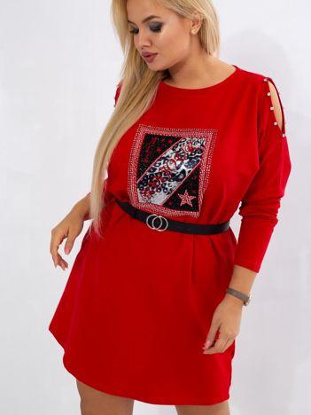 Czerwona sukienka plus size Catching