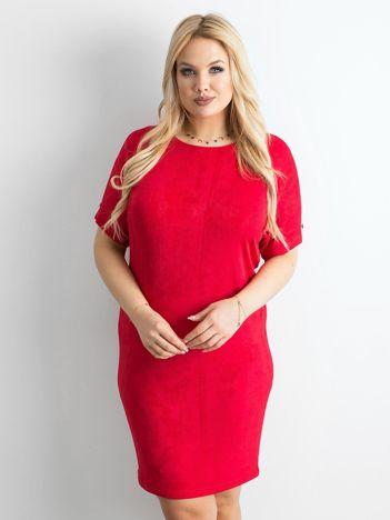 Czerwona sukienka z delikatnym połyskiem PLUS SIZE