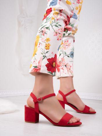 Czerwone sandały CREATION na szerokim klocku