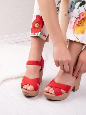 Czerwone sandały MULANKA na platformie i obcasach