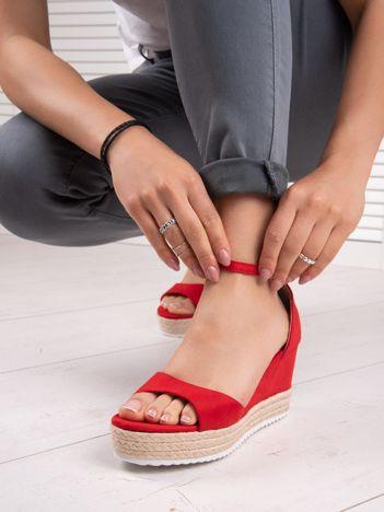 Czerwone sandały SWEET SHOES na platformie i koturnach