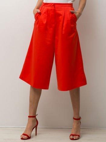 Czerwone spódnicospodnie typu culottes