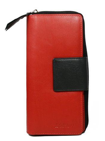 Czerwony duży portfel skórzany z czarnym wykończeniem