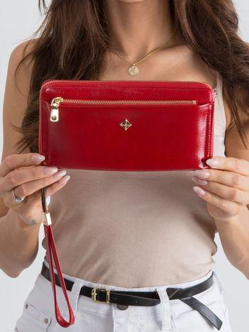 Czerwony duży portfel ze skóry ekologicznej