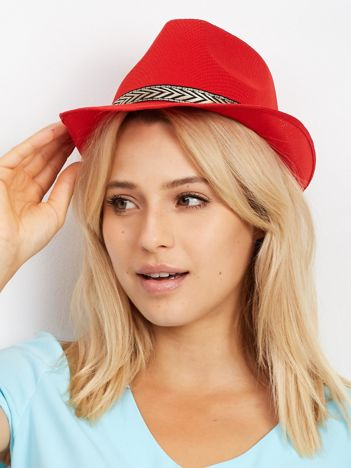 Czerwony kapelusz gangsterski