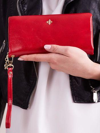 Czerwony podłużny portfel z uchwytem