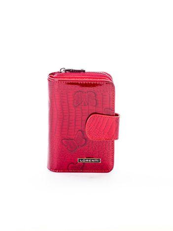 Czerwony skórzany portfel w motyle z zapięciem