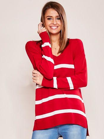 Czerwony sweter damski w pasy