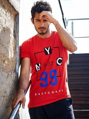 Czerwony t-shirt męski z tekstowym printem