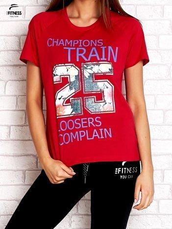 cf3ba2ee20 Czerwony t-shirt z kwiatowym numerem 25