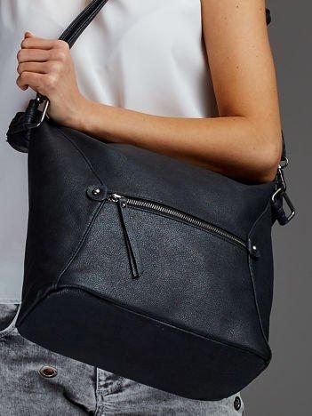 Damska torba shopper z ozdobnymi suwakami czarna