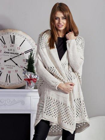 Długi ażurowany sweter beżowy