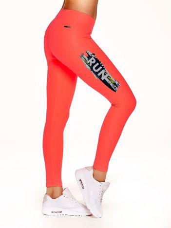 Długie legginsy fitness z kontrastowym nadrukiem fluokoralowe