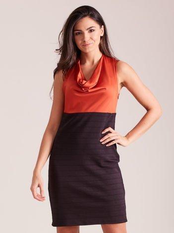 Dopasowana sukienka koktajlowa z dekoltem wodą pomarańczowo-czarna