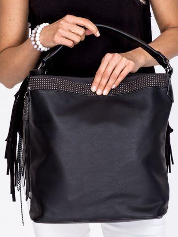 Duża czarna torba z ozdobnym paskiem
