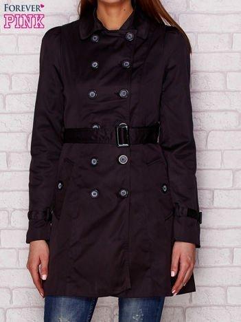 Dwurzędowy płaszcz z paskiem i kieszeniami czarny