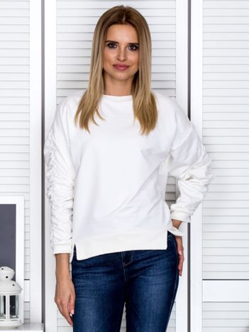 Ecru bluza damska z marszczonymi rękawami