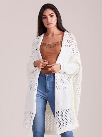 Ecru długi ażurowy sweter