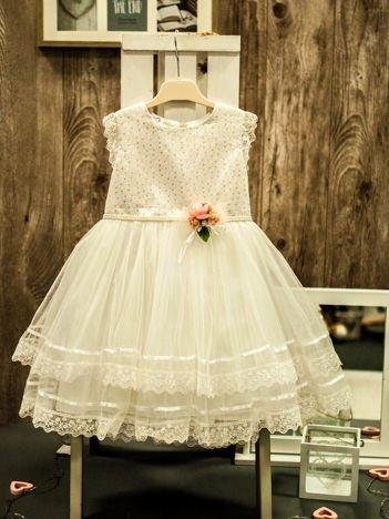 Ecru elegancka sukienka dziewczęca z ozdobną różyczką