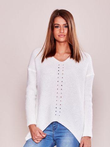 Ecru luźny sweter damski