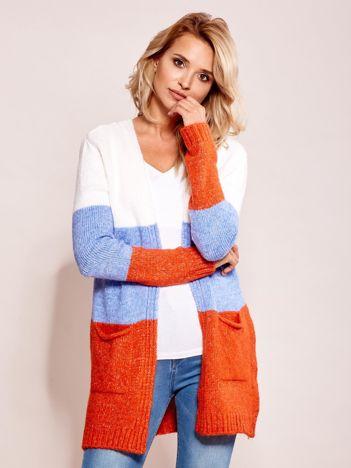 Ecru-niebieski sweter narzutka z kieszeniami