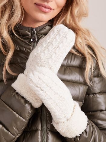 Ecru rękawiczki w warkocze