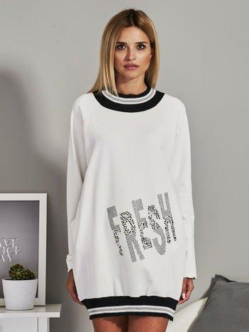 Ecru sukienka dresowa z aplikacją z dżetów
