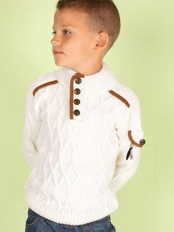 Ecru sweter dla chłopca z warkoczami