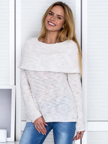 Ecru sweter melange z szeroką falbaną