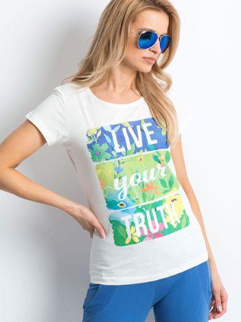 Ecru t-shirt Versatile