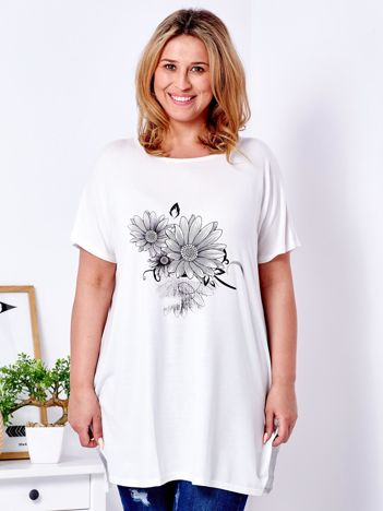 Ecru t-shirt z kwiatowym printem PLUS SIZE