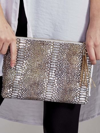 Elegancka kopertówka z motywem wężowej skóry srebrna