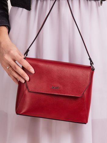 Elegancka skórzana torebka listonoszka ciemnoczerwona