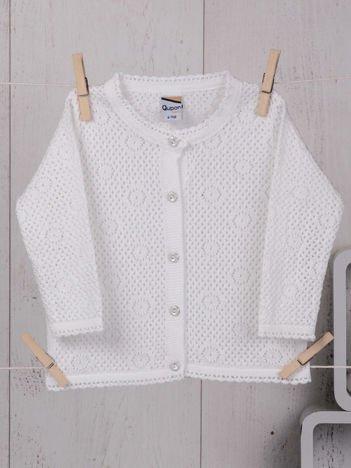 Elegancki ażurowy sweterek niemowlęcy dla dziewczynki ecru