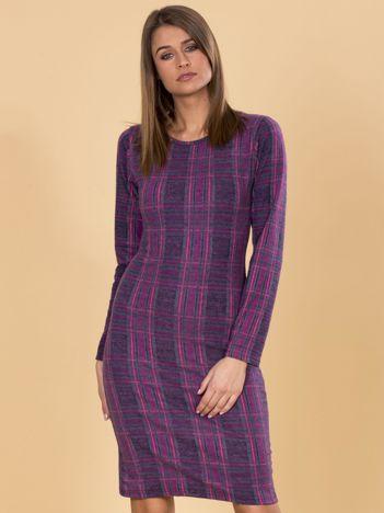 Fioletowa sukienka w kratę