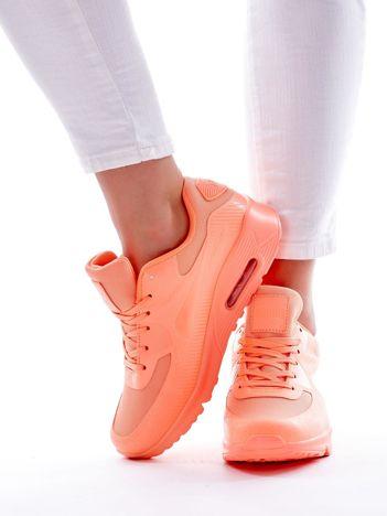 Fluo brzoskwiniowe buty biegowe na poduszce powietrznej