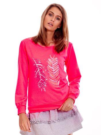 Fluo różowa lekka bluza z nadrukiem piór