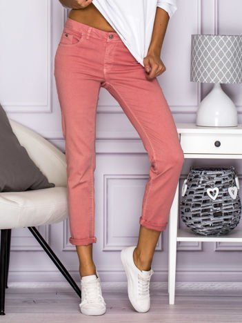 Gładkie spodnie z materiału różowe