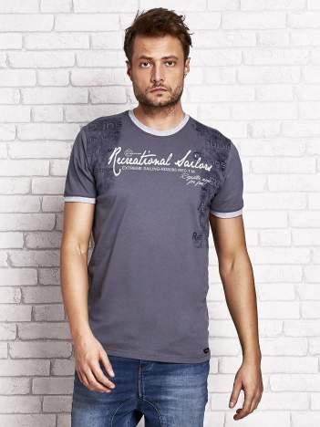 Grafitowy t-shirt męski z miejskim nadrukiem