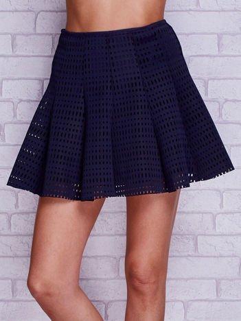 Granatowa ażurowa spódnica z falbanami