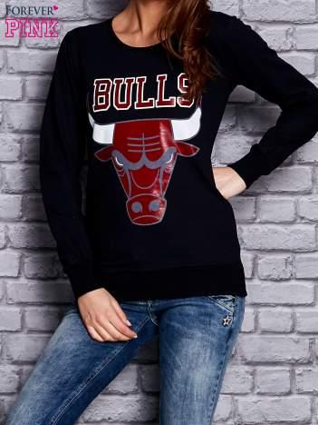 Granatowa bluza z napisem BULLS