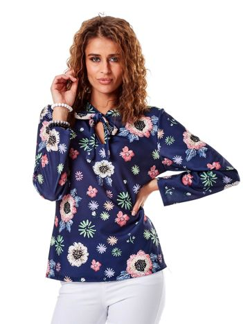 Granatowa bluzka w kolorowe kwiaty z wiązaniem