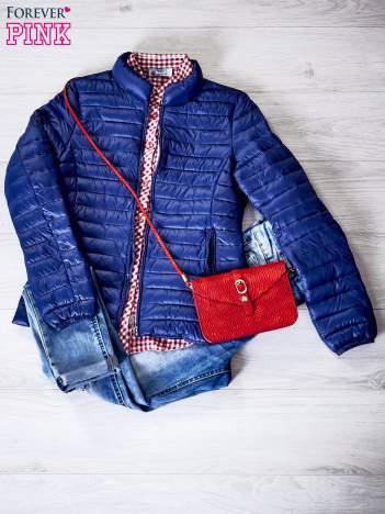 Granatowa kurtka przejściowa pikowana