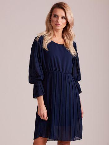 Granatowa plisowana sukienka