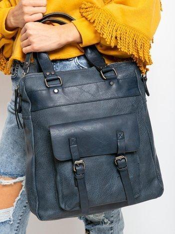 Granatowa torba z kieszenią