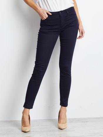 Granatowe spodnie Meaning
